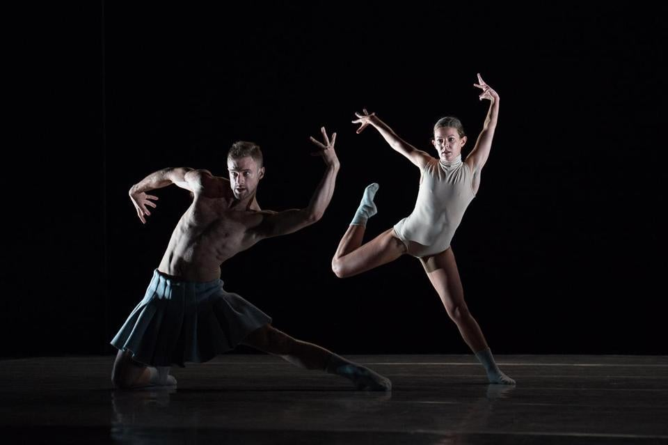 Peter Smida and Emily Chessa of Ballet BC in Twenty Eight Thousand Waves.